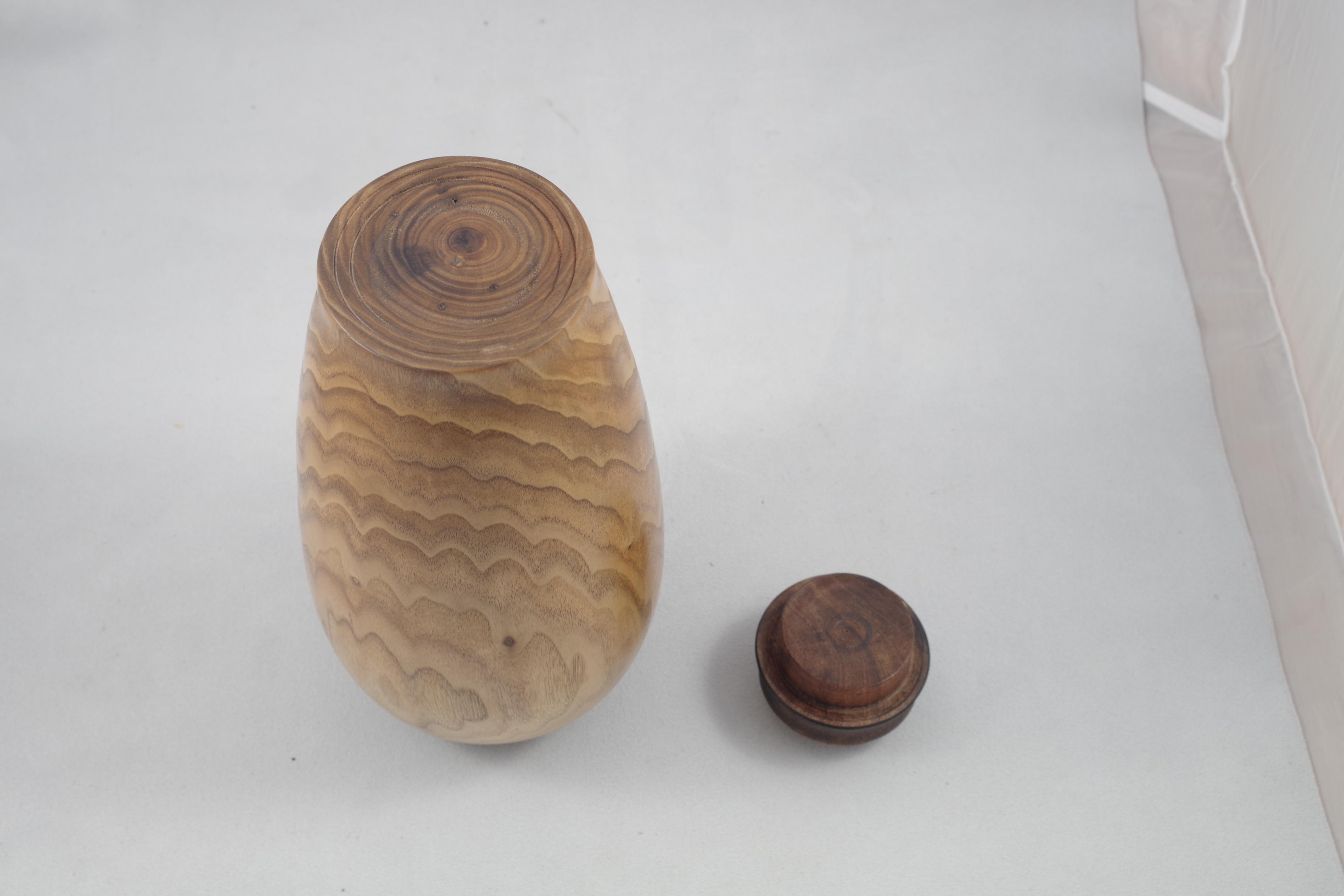 Butternut urn 6