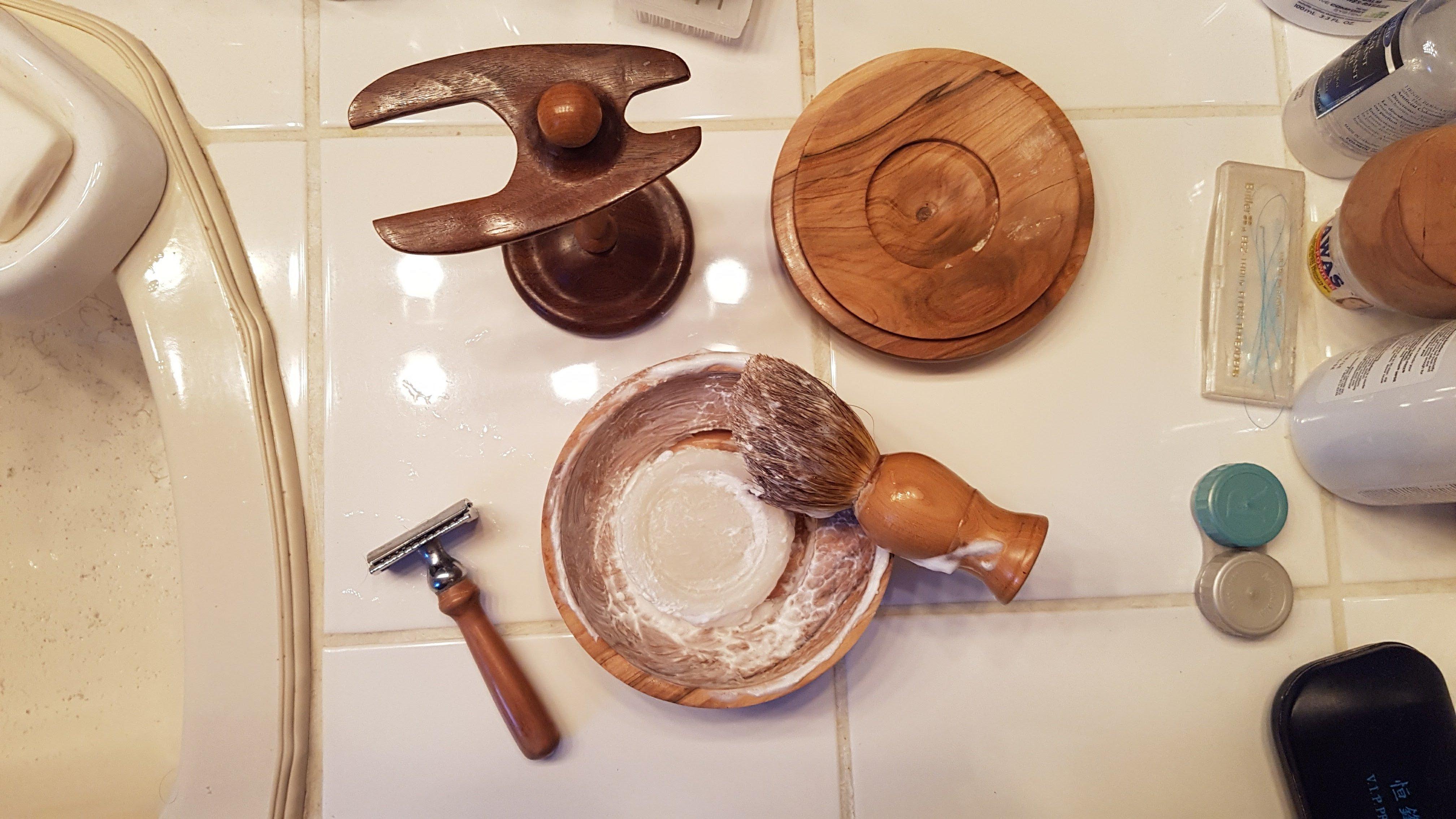 Shaving bowl in use